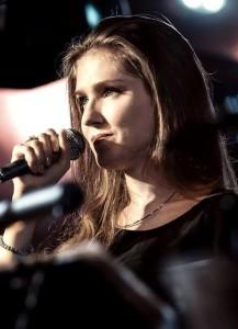 Маша Одинокова